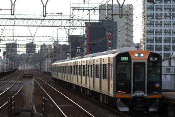 2018年10月6日 16時45分ころ、今里、阪神10000系6連の区間準急 奈良ゆき。