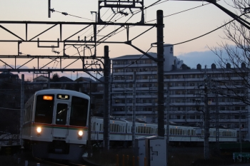 2019年1月14日、入間市~仏子、4011F+4021Fの2002レ。
