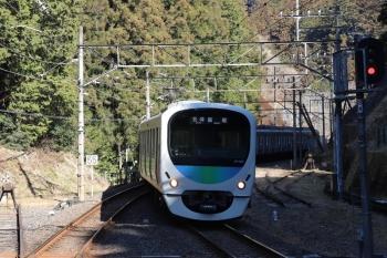 2019年1月27日 10時51分ころ、西吾野、2番ホームへ到着する38105Fの上り回送列車。西吾野駅からは2本目の臨時の各停 飯能ゆき。