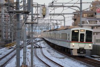 2019年2月10日 6時52分ころ、練馬、急行線を通過する4017F+4021Fの上り回送列車。
