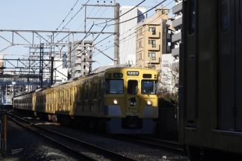 2019年2月12日、高田馬場~下落合、2007F+2457Fの4608レ。被られてしまいました。