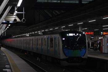 2019年3月1日。所沢。電留線から3番ホームへ入りS-Train 510レとなる40102F。