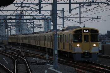 2019年3月5日 17時31分ころ。石神井公園。3番ホームへ到着する2073Fの上り回送列車。5616レになりました。