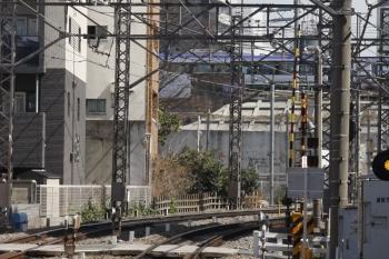 2019年3月13日 12時31分ころ。高田馬場〜目白。山手貨物線を南へ向かうE353系。
