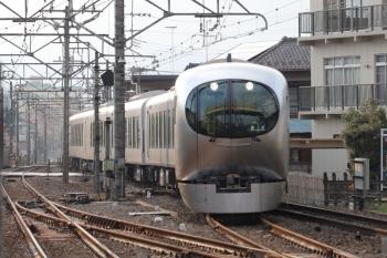 2019年3月16日 15時55分ころ。仏子。中線へ到着する001-A編成の上り回送列車。