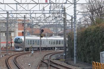 2019年3月16日。所沢。4番ホームへ到着する営業初列車の5レ。001-A編成。