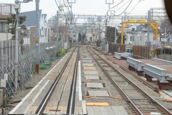 2019年3月23日 12時ころ。野方〜沼袋駅間。上り列車の先頭から。