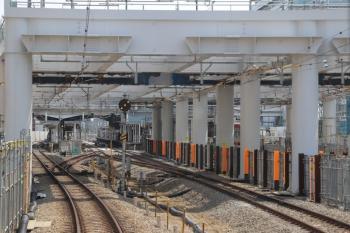2019年5月12日 13時過ぎ。東村山。到着する新宿線の上り列車から。
