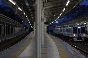 2019年6月2日 19時0分ころ。入間市。4番ホームを通過する4009Fの上り列車。