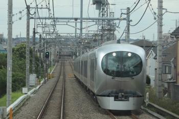 2019年6月22日 9時35分ころ。稲荷山公園〜武蔵藤沢。001系の下り回送列車。
