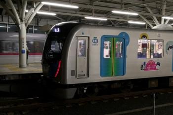 2019年7月1日 19時38分ころ。石神井公園。40103F(コウペン)の上り回送列車を追い抜く44レ。