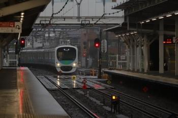 2019年7月7日 5時30分ころ。所沢。2番ホームを通過する30101Fの上り回送列車。