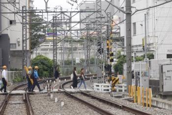 2019年7月10日 12時16分ころ。高田馬場〜下落合。左の3名が西武鉄道関係者と思われます。