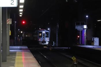 2019年7月14日 19時56分ころ。東長崎。4番ホームから下り方へ発車した4009F。