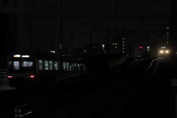 2019年7月14日 21時20分ころ。練馬。左から、発車した東急5050系の4856レ、引き上げ線に停車中の4009F、到着する2069Fの5229レ。