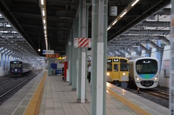 2019年7月15日。練馬高野台。左から、20104Fの4103レ、2089Fの5206レ、38109Fの上り回送列車。