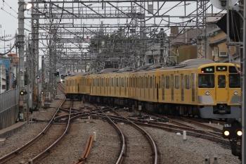 2019年7月15日。西所沢。2063Fの4632レが1番ホームから発車(定期)。奥で待っているのは2番ホーム着発の38105Fの7527レ。