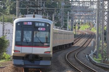 2019年8月4日 16時39分ころ。西所沢。3番ホームを通過した東急5177Fの快速急行 小手指ゆき。