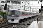 飯能駅を発車したむさし91号の10101F