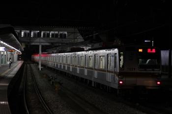 2009年7月5日22時45分頃、西所沢、1番ホームで発車を待つ09S回送のメトロ7029F。