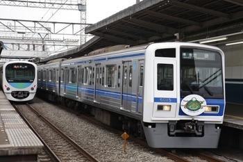 2009年7月18日、西所沢、6115Fの4230レ(右)。