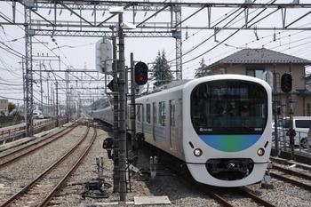 2009年6月27日、西所沢、電気連結器が撤去された38101F。