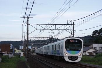 2009年7月25日、元加治駅を発車した(<-飯能)32102F+38104Fの2151レ。