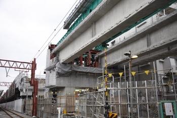 2009年8月1日、石神井公園駅、富11踏切の上り線上から駅を向いて撮影。