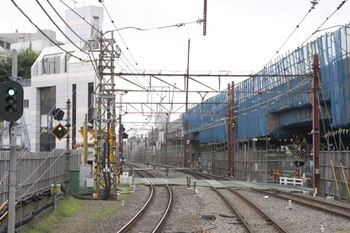 2009年8月1日、石神井公園駅、下りホーム端から下り方を撮影。