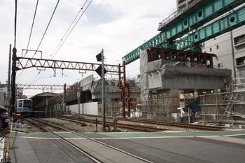 2009年7月19日、石神井公園駅、富11踏切の下り線上から駅を向いて撮影。