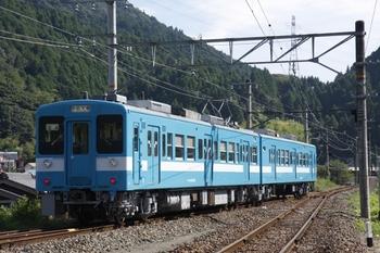 2009年8月23日、浦川、発車したクモハ119-5008ほか原色塗装の505M。