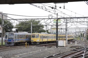 2009年8月30日 11時51分頃、所沢、手前が1261Fの上り回送列車。