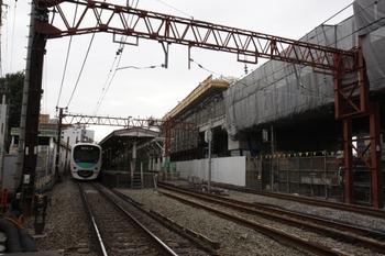 2009年10月3日、石神井公園駅、練馬高野台方の踏切から。