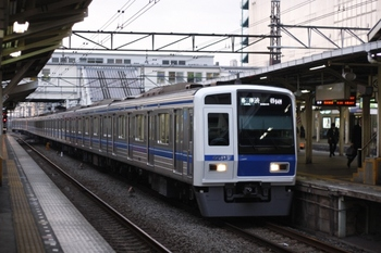 2009年10月19日、所沢、6111Fの6704レ。
