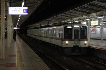 2009年12月18日 21時16分頃、入間市、4009Fの下り回送列車。