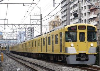 2009年12月30日、高田馬場~下落合、2077Fの2634レ。