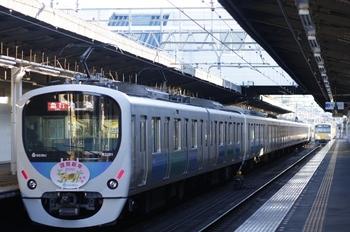 2010年1月1日、武蔵藤沢、32101F+38103Fの2166レ。