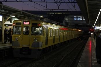 2010年1月27日 6時21分頃、所沢、2407(?)F+2507Fの新宿線・上り回送列車。