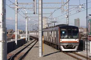 2010年2月7日、石神井公園、到着するメトロ10007Fの6510レ。