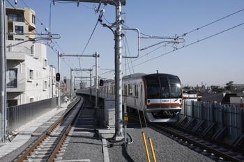 2010年2月7日、石神井公園、発車したメトロ10032Fの4526レ。