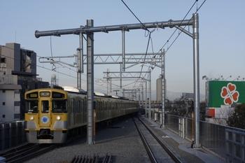 2010年2月8日、石神井公園、9102Fの2504レが3番ホームへ到着。