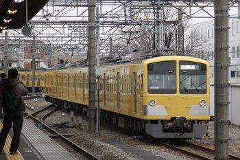 2010年2月27日 15時45分頃、所沢、6番線から新秋津駅方へ向かう263F。
