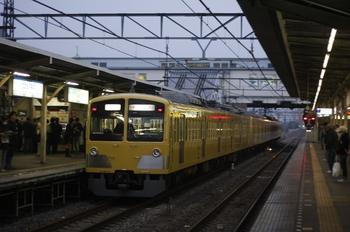 2010年3月1日 6時21分頃、所沢、通過する295F+1253Fの上り回送列車。