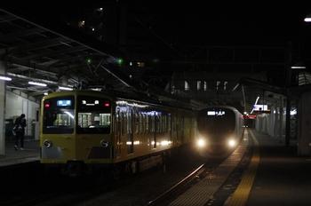 2010年3月11日、西所沢、左が287F+1301Fの3120レ。