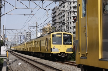 2010年4月14日、高田馬場~下落合、281F+1253F+1251Fの2754レ。