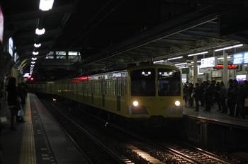2010年4月16日、所沢、到着する8604レの1251F+1253F。