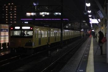 2010年4月16日、所沢、6番線で発車待ちの3015F回送。