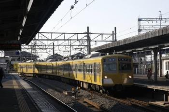 2010年4月24日、西所沢、6154レで到着の271F+275F。