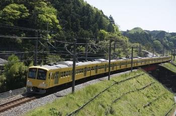 2010年5月8日、東吾野~吾野、1301Fの急行 西武秩父ゆき(2103レの延長)