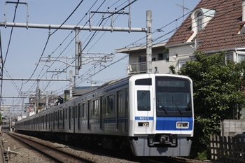 2010年5月9日、池袋~椎名町、6115Fの2118レ。